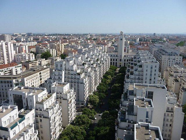 AU FIL DU RHÔNE en France - VILLEURBANNE