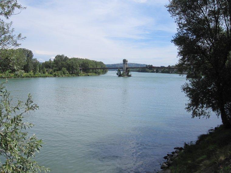 AU FIL DU RHÔNE en France - VILETTE D'ANTHON Isère et CHASSE/Rhône