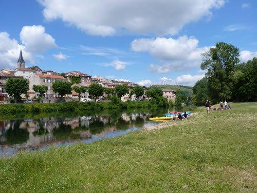 AU FIL DU RHÔNE en France - St PIERRE DE BOEUF (Loire)
