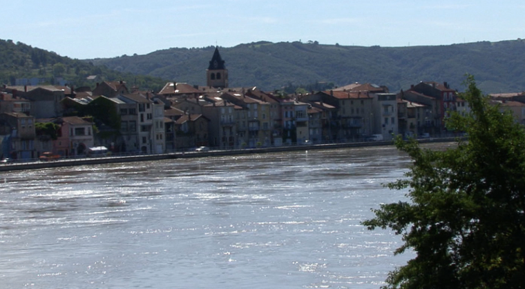 AU FIL DU RHÔNE en France - St VALLIER