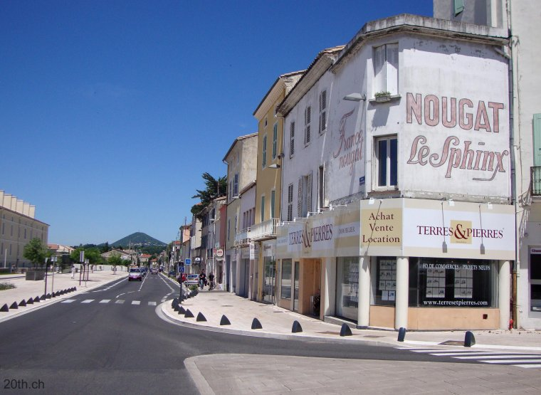 AU FIL DU RHÔNE en France - MONTELIMAR