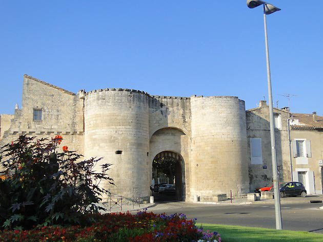AU FIL DU RHÔNE en France - TARASCON - Bouches du Rhône