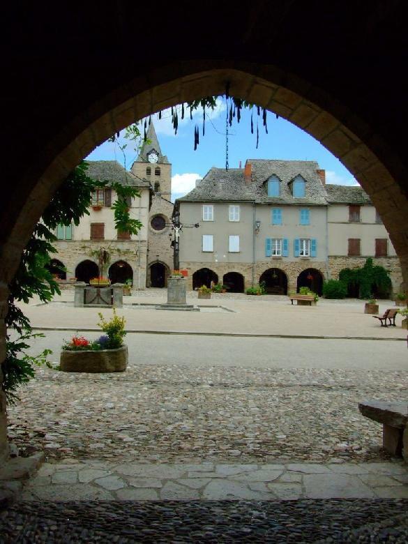 SAUVETERRE DE ROUERGUE (1)