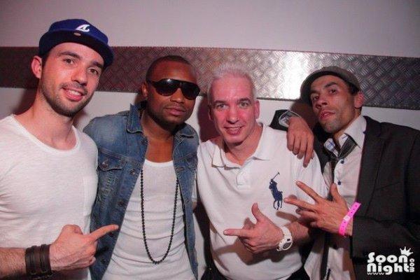 En concert avec Manyone au Club  Lokomia