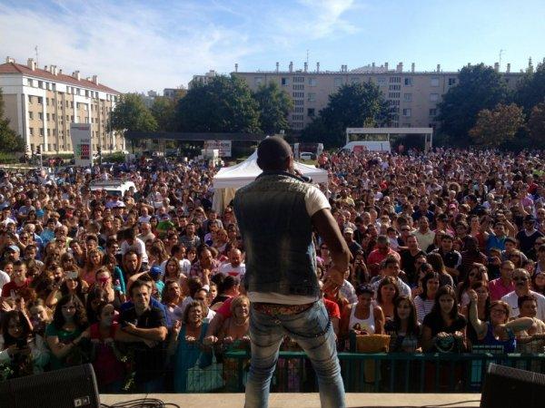 Concert a Choisy le Roi devant 10 000 personnes