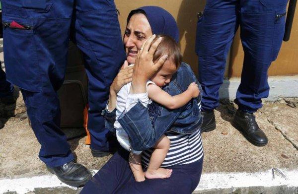 Police hongroise mauvais traitements des migrants Syriens
