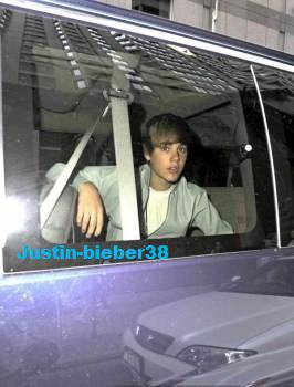 Justin Bieber sortant de son Hotel