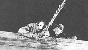 1956. UN CONDAMNE A MORT S'EST ECHAPPE