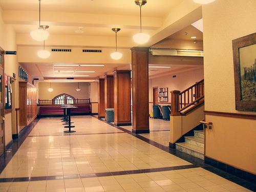 ➤ Corridor