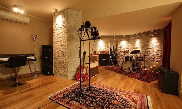 ➤ Music Studio
