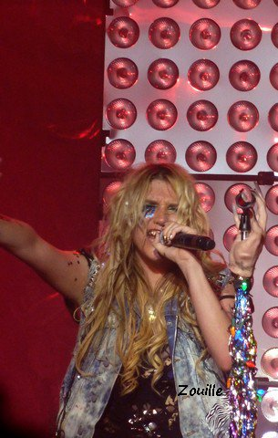 Ke$ha - Trianon - 8.12.10