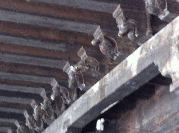 Charme du travail sur bois (arcades de Mirepoix)