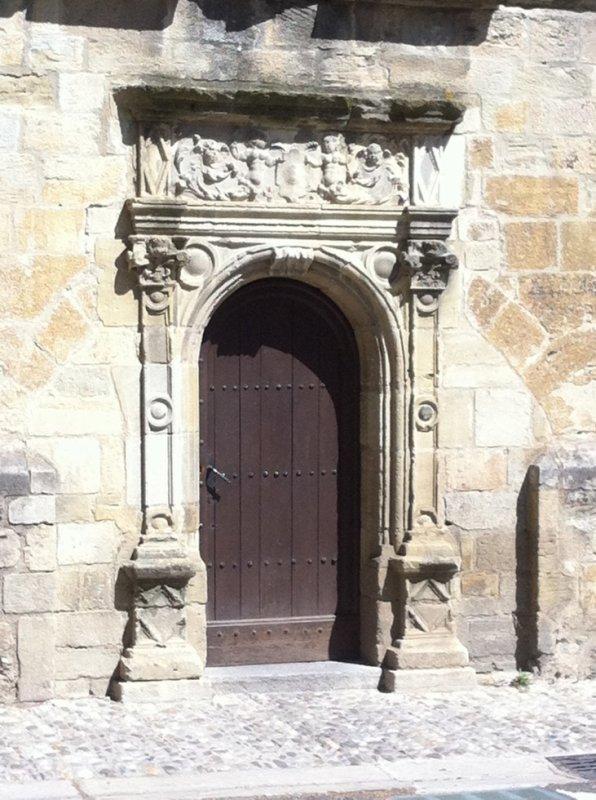 Porte de la cathédrale Saint Maurice à Mirepoix (09)