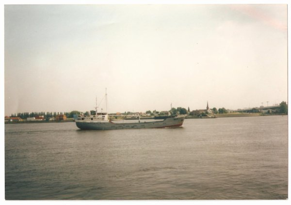 Le vrai MV MELOR quittant Rotterdam