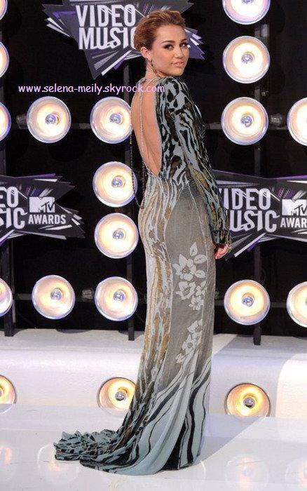 Miley aux VMA 2011 MTV