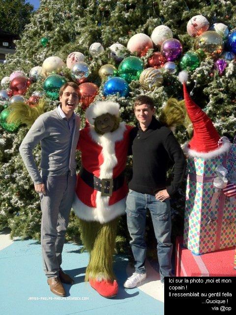 09/12/11     Oliver a posté une nouvelle photo sur son twitter .   Marrante non ? :)