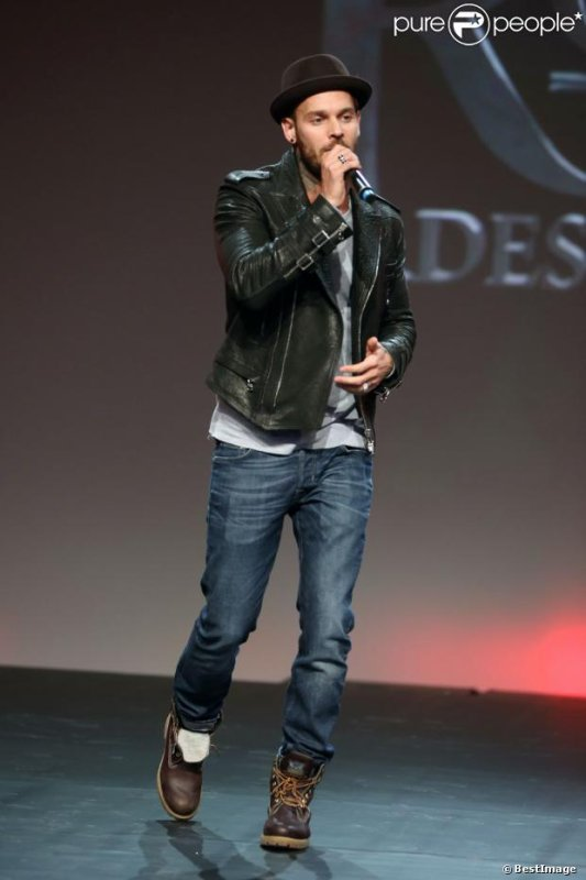 M. Pokora chante la comédie musicale Robin des bois lors des Haidressing awards 2013