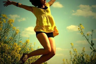 Le but dans la vie n'est pas de respirer mais d'avoir le souffle coupé ...