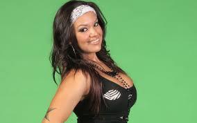 La fille de vickie guerrero et Eddie Guerrero championne a la fcw