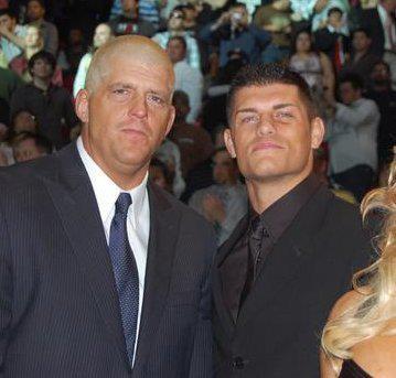 Cody Rhodes vs Goldust : la rivalité est en marche