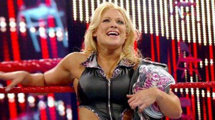 Kharma vs Beth Phoenix à Wrestlemania ?