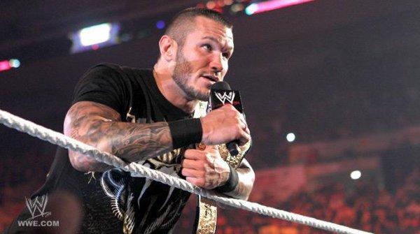 Randy Orton de nouveau blessé !