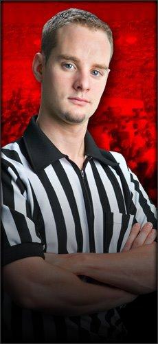 Nouvel arbitre : La WWE engage un arbitre Dragon gate Usa