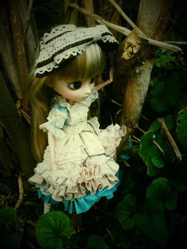 Lily-Rose se promène...