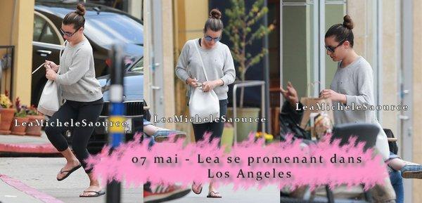 #Candid 6 - Le 07 mais Lea a été vue se promenant dans Los Angeles
