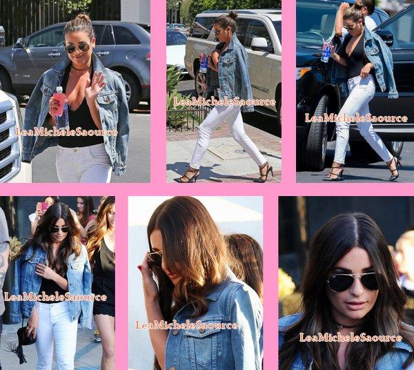 #Candid 18 - Le 13 Juillet Lea a était vue au salon de coiffure Nine Zero One à West Hollywood