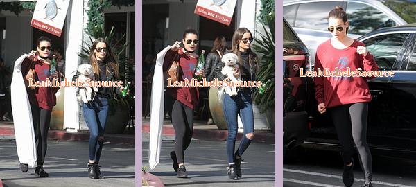 #Candid 49 - Le 21 Novembre Lea a était vue quittant le café Gratitude à Los Angeles puis dans la même journée elle a était vue dans les rues de Los Angeles avec une amie