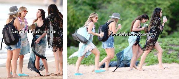 #Candid 66 - Le 20 Février Lea était sur la plage de Maui, à Hawaï avec des amies