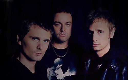 Muse in the dark