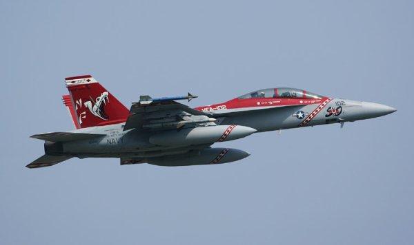 F-18 De La VFA 102