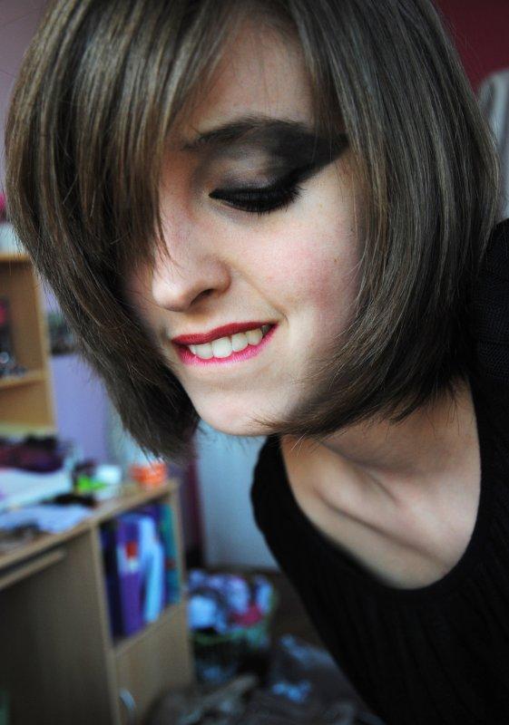BLACK SWAN GIRL