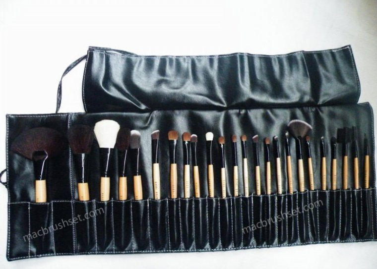 M-A-C Professional M.A.C. makeup brush set, 24 pc! NEW $38.95