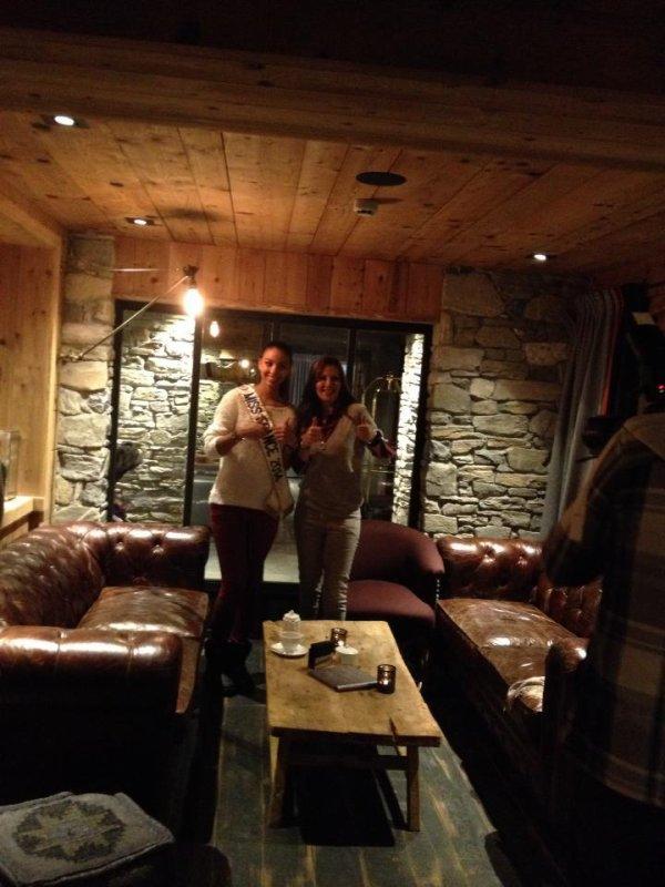 Marine va retrouver les autres miss dont Flora pour faire du ski à Megève 2