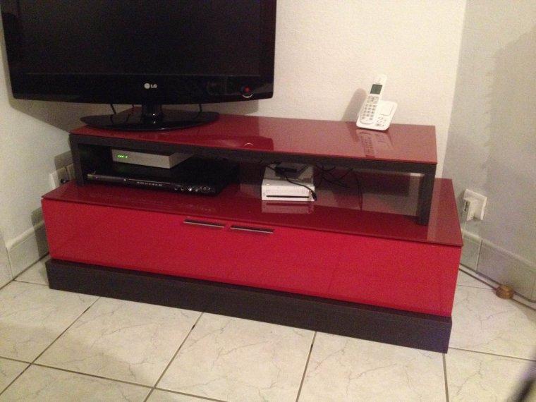 Meuble Tv Laqué Rouge Wengé 180E (Acheté 299Euros Il Y A 5 Mois