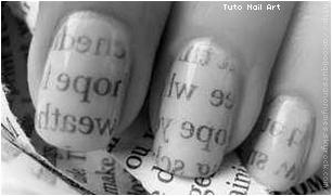Des ongles... papier journal !