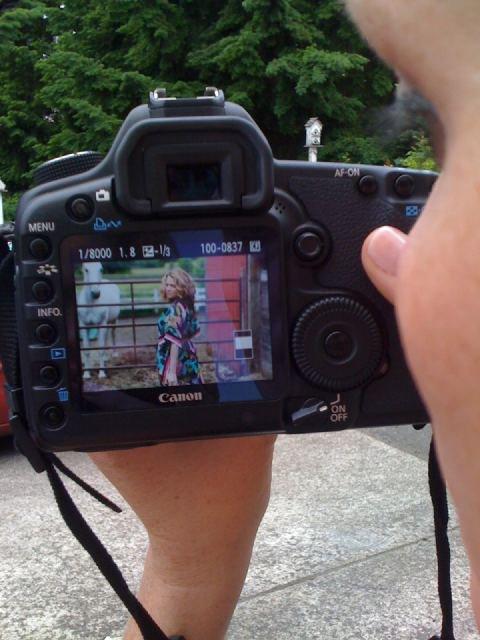 Photoshoot de Joy avec son ami LJ le 22 Juin 2011