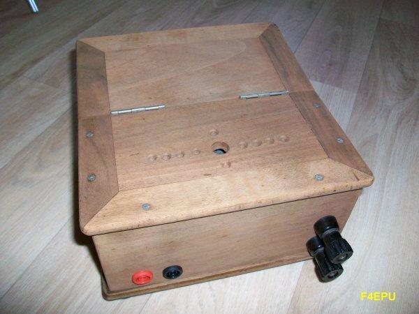 Récepteur ondes courtes à deux tubes.