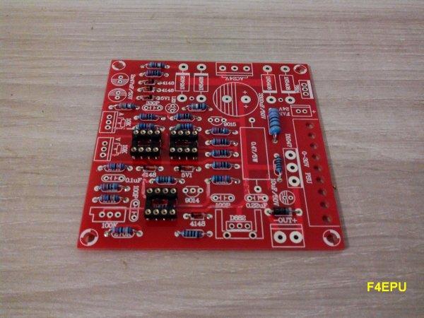 Kit de régulation de tension et de courant pour alimentation en courant continu basse tension.