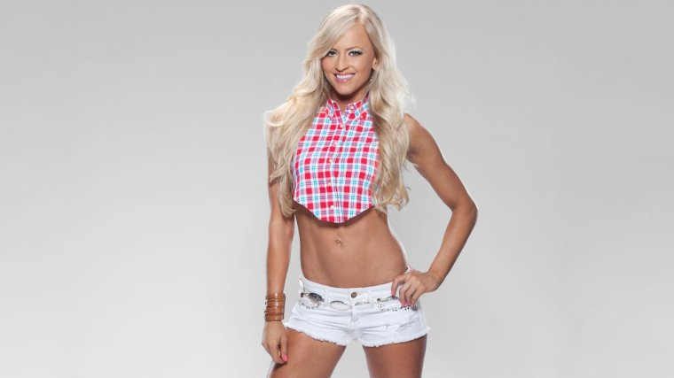 ALL-AMERICAN DIVAS 2013: PHOTOS suite