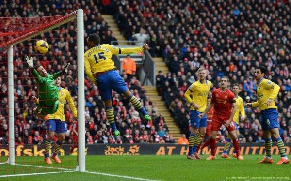 Le match est terminé. Liverpool écrase Arsenal 5-1 (Arteta sauve l'honneur sur pénalty). Que dire ? Arsenal a été complètement à coté de la plaque cet après midi, qu'ils ont pris 4 buts en 20 minutes sans la moindre réaction. Il faudra rebondir rapidement.   Arsenal n'aura pas trop le temps de tergiverser puisque dès mercredi ils reçoivent Man U. Puis ils recevront, dimanche 16 février, Liverpool en 8eme de finale de Fa Cup.  A noter que Liverpool revient à 5 pts des Gunners. Chelsea et Man City ont l'occasion tout à l'heure de chiper la première place.
