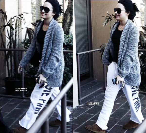 02/02/2011 | Demi arrivant à son centre à Santa Monica .......TOP OU FLOP ?