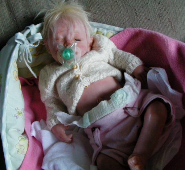 Reborn crée par Sandy Mcaslan, Avec cette poupée reborn je dit stop aux enfants laissés sans soins