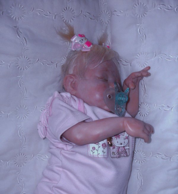 reborn sculpté artiste Sandy Mcaslan USA ,Ma petite Lola, un Bébé qui a besoin de soin