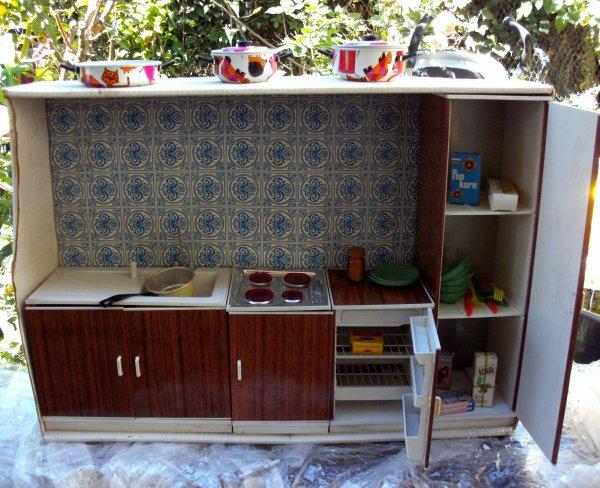 Ancienne cuisine pour les appartements des poupées Modes et Travaux