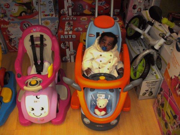 Le défis Bébé Reborn de Principessa-Noeliah, au magasin de Jouetclub