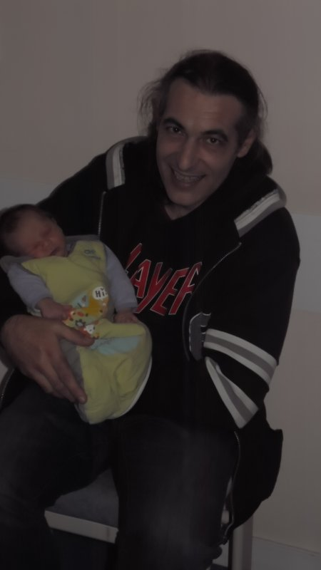 Gabriel viens de naître, mon premier petit fils, Doro mémé est heureuse